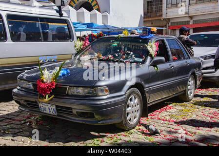 Car ready for blessing, a unique ritual at the Basílica de Nuestra Señora in Copacabana, Bolivia - Stock Image