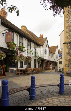 The Fleur De Lys Pub and Clock Tower, Market Cross, St Albans, Hertfordshire, UK - Stock Image