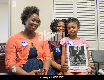 Garden City, New York, USA. 17th April 2016. L-R, TORESHA PETERSON, JOANNE VANTERPOOL and, her 7-year-old daughter - Stock Image