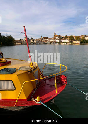 Canal boats moored in the Grand Bassin in Castelnaudary, Lauragais, France, on the Canal du Midi - Stock Image