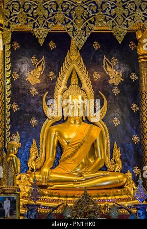 Golden Buddha inside Wat Phra Sri Rattana Mahathat, Phitsanulok, Northern Thailand | Goldener Buddha im Wat Phra Sri Rattana Mahathat, Phitsanulok, No - Stock Image
