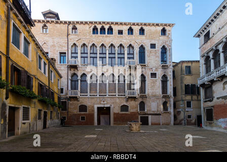 Palazzo Fortuny museum in Venice, home of Spanish artists & designer Mariano Fortuny y Madrazo, one of the Venice's best museums of fine & applied art - Stock Image