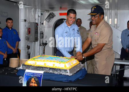091008-N-9761H-041 SAN DIEGO, Calif. (Oct. 8, 2009) Vice Adm. D.C. Curtis, commander, Naval Surface Forces U.S. - Stock Image