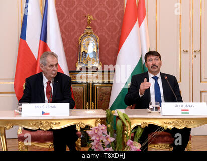 Budapest, Hungary. 15th May, 2019. Czech President Milos Zeman (left) and Hungarian President Janos Ader (right) talk during a press conference after their meeting on May 15, 2019, in Budapest, Hungary. Credit: Katerina Sulova/CTK Photo/Alamy Live News - Stock Image