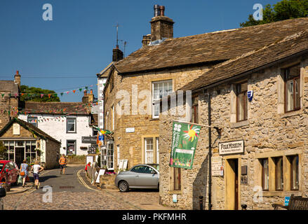 UK, Yorkshire, Wharfedale, Grassington, The Square, Garrs Lane, Grassington Folk  Museum - Stock Image