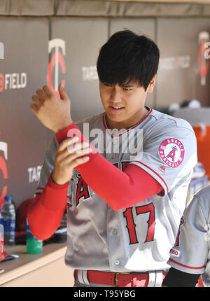 Los Angeles Angels designated hitter Shohei Ohtani touches his left wrist in the dugout during the Major League Baseball game against the Minnesota Twins at Target Field in Minneapolis, Minnesota, United States, May 15, 2019. Credit: AFLO/Alamy Live News - Stock Image