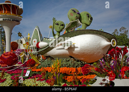 Pasadena CA,  Los Angeles California, Rose Parade Float Grand Marshal's Trophy 'Passport to Our World and - Stock Image