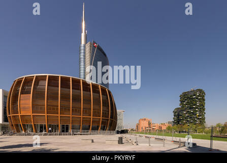 The Unicredit gluelam timber pavilion and auditorium in Milan (built in 2015), designed by Italian architect Michele de Lucchi - Stock Image