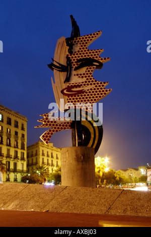 Spain Barcelona Roy Lichtenstein sculpture near Palau del Mar at night - Stock Image