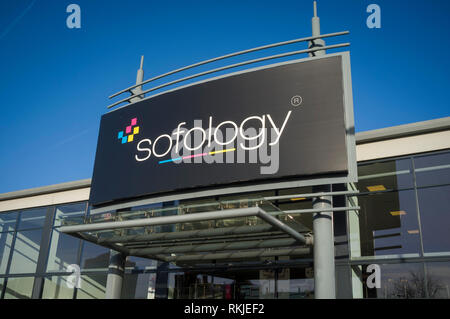 Sofology storefront at Forbury Retail Park, Reading, Berkshire. - Stock Image