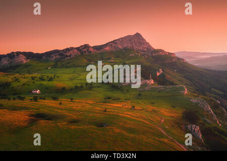 sunrise in Gorbea with view of Arraba fields - Stock Image