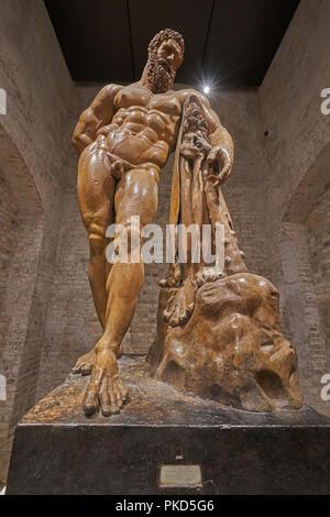 statue of hercules - Stock Image