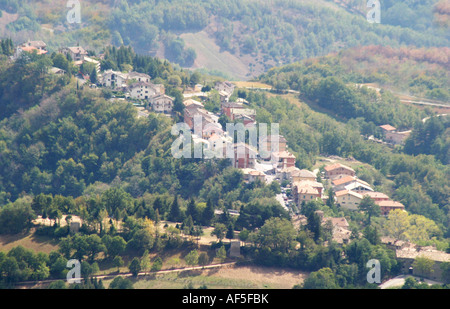 Montemonaco is one of the historic small hilltowns in the Sibillini National Park Le Marche Italy - Stock Image