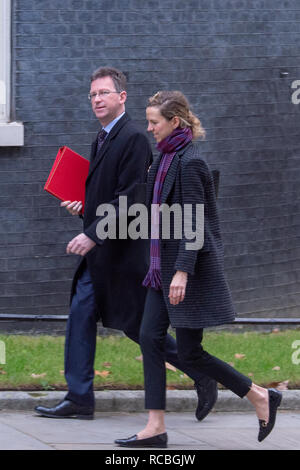 London, United Kingdom. 15 January 2019. Jeremy Wright, Secretary of State for Digital, Culture, Media and Sport arrives at 10 Downing Street for the weekly cabinet meeting ahead of the critical Brexit vote. Credit: Peter Manning/Alamy Live News - Stock Image