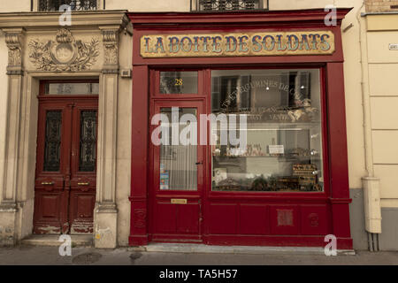 France, Paris, 2019 - 04,  For 20 years  «La Boite De Soldats» has offered, to the most discerning collectors, old toy soldiers which have been chosen - Stock Image