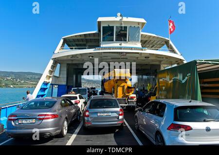 Cars cross Lake Zurich on the Lake Zurich ferry between Horgen and Meilen, Horgen, Switzerland - Stock Image