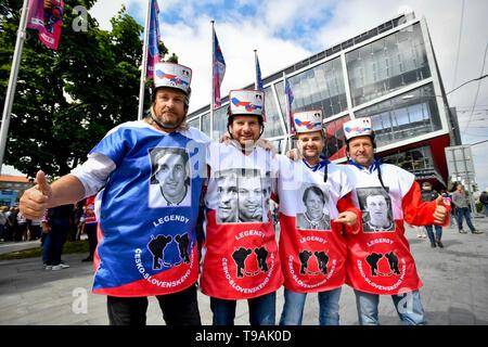 Bratislava, Slovakia. 17th May, 2019. Czech ice hockey fans come to the Ondrej Nepela Arena in Bratislava, Slovakia, on May 17, 2019, to the match Czech Republic vs Italy within the 2019 IIHF World Championship. Credit: Vit Simanek/CTK Photo/Alamy Live News - Stock Image