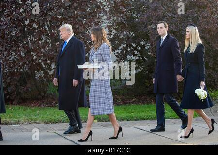 U.S President Donald Trump and first lady Melania Trump, walk with daughter Ivanka Trump and son-in-law Jared Kushner as they arrive at the memorial to the 11 worshippers killed at the Tree of Life Synagogue October 30, 2018 in Pittsburgh, Pennsylvania. - Stock Image