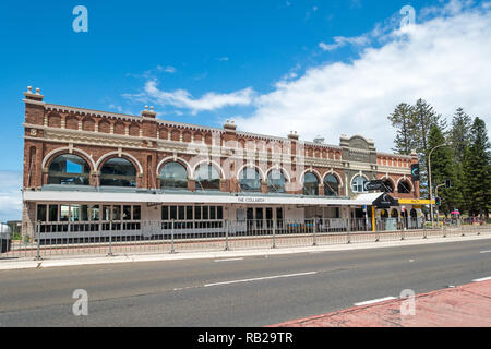The Collaroy Hotel, Collaroy Sydney NSW Australia. - Stock Image