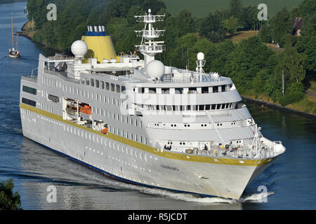 Cruiseship Hamburg - Stock Image