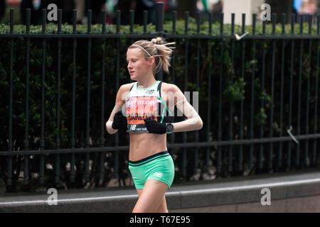 Elite female athlete, Tracy Barlow,  running for the Great Britain, in the 2019 London Marathon, she went on to finish 19th in a time of 02:36:26 - Stock Image