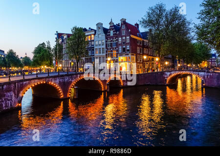 Traditional Dutch townhouses at Keizersgracht canal in Amsterdam, Netherlands - Stock Image