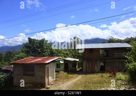 Ecuadorean rural shack houses - Stock Image