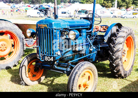 Fordson tractor, Fordson classic tractor, classic tractor, classic tractors, Fordson, Fordson farm machinery, tractors, tractor, old tractor, blue - Stock Image
