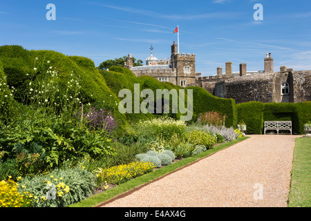 Summer Border Garden Walmer Castle Official Residence of the Lord Warden of the Cinque Ports - Stock Image