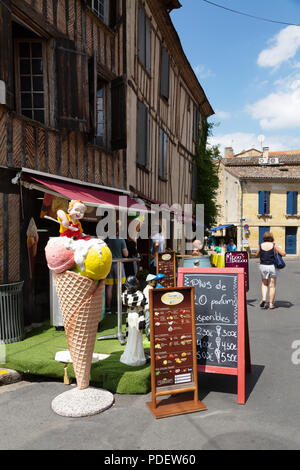 Ice cream parlour, Bergerac old town,Bergerac, Dordogne France Europe - Stock Image