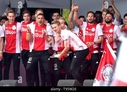 Matthijs de Ligt (Ajax) Football Dutch Premier Division 2018/2019 Victory Ceremony Champion May 16, 2019 in Museum Square of Amsterdam, The Netherlands Credit: Sander Chamid/SCS/AFLO/Alamy Live News - Stock Image