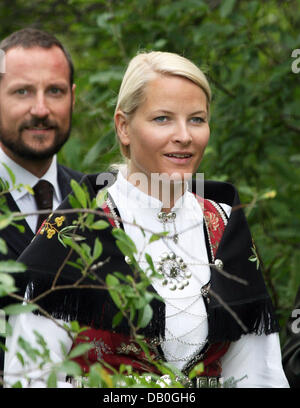 Princess Mette-Marit and Crown Prince Haakon are pictured in Skorpa, Norway, 26 August 2007. The royal couple started - Stock Image