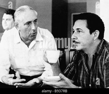Former military attache of the U S S R in Cuba Igor Amosov left and Fidel Castro right - Stock Image