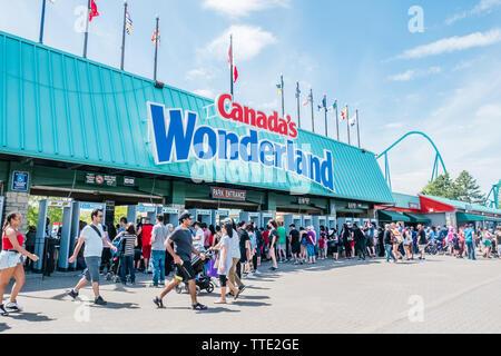 Canada's Wonderland amusement park entrance in Vaughan, ontario, canada - Stock Image
