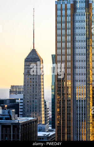 The Foshay Tower next to the Wells Fargo Center in Minneapolis, Minnesota. - Stock Image