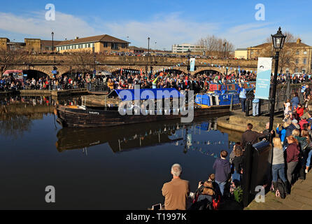 Industry arriving in Victoria Quay's basin 200 years ago in 1819 The Sheffield and Tinsley canal opened and it was celebrated again in 2019. - Stock Image