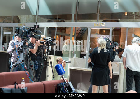 Stockholm, Sweden, June 7, 2018. Stockholm district court today sentenced Rakhmat Akilov to life imprisonment for terrorism attack on Drottninggatan, April 7, 2017. Akilov will be deported after having served his sentence. Journalists wating for the verdict. Credit: Barbro Bergfeldt/Alamy Live News - Stock Image