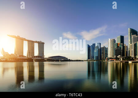 Singapore business district skyline in night at Marina Bay, Singapore. Asia - Stock Image