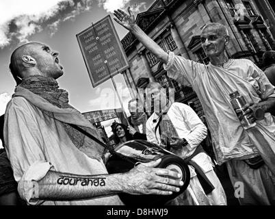 Shout Gouranga meet the Hare Krishna's in The High St Edinburgh, Scotland, August festival time - Stock Image