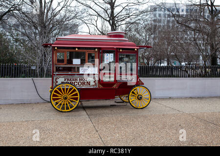 Original Red popcorn wagon adjacent to the Mall in Washington DC - Stock Image