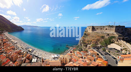 Panorama with beautiful beaches and old castle of medieval town of Scilla in Calabria, Italy. Italian summer travel holiday. - Stock Image