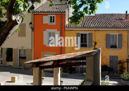 France, Provence Alpes Cote d'Azur, department of Vaucluse (84), Cucuron (natural park of Luberon) - Stock Image
