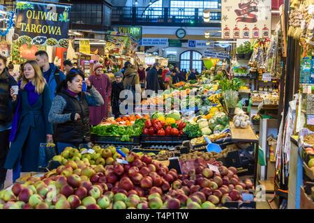 Hala Targowa indoor fruit and vegetable market, Wrocław, Wroclaw, Wroklaw, Poland - Stock Image