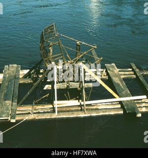 Fish wheel on the Chena River; near Fairbanks, Alaska.  The Chena River is a tributary of the Tanana River.   The - Stock Image