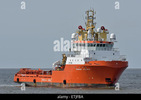Offshore supply vessel Normand Atlantic inbound for Cuxhaven - Stock Image
