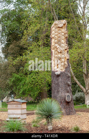 Honeycomb sculpture in wood at RHS Wisley - Stock Image