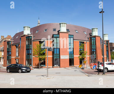 Redeveloped modern Central Library building, town centre, Swindon, Wiltshire, England, UK - Stock Image