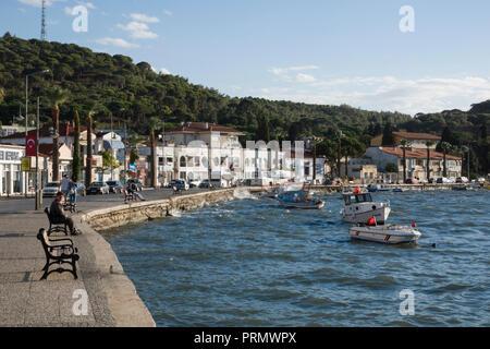 Scenic waterfront in Ayvalik on the Aegean coast, Turkey - Stock Image