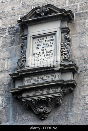 Stone memorial to Sir Walter Scott born here, Edinburgh Scotland (College Wynd in the Old Town ) - Stock Image