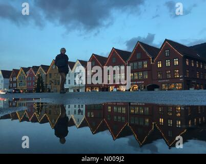 Bryggen 21, Bergen, Norway. 01st Dec, 2016. European weather; Christmas decorated and tree at the UNESCO World Heritage - Stock Image
